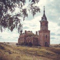 Церковь Троицы Живоначальной :: Роман Царев