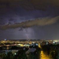 Гроза над городом.  Ижевск – город в котором я живу! :: Владимир Максимов