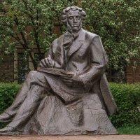 Памятник Пушкину А.С. :: Сергей Исаенко