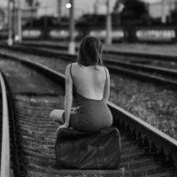 Девушка и поезд :: Дмитрий Мишин