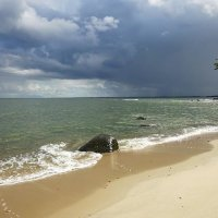 Море прекрасно в любую погоду :: Маргарита Батырева