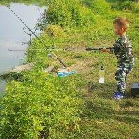 Маленький рыбак :: Елена Милородова