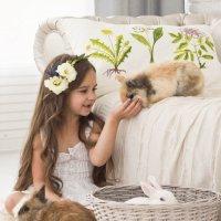 девочка и кролики :: Светлана З