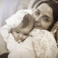 нежность матери - крестины :: Светлана Мизик