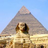 Сфинкс и пирамида Хефрена в Гизе :: Денис Кораблёв