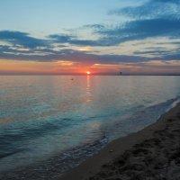 Вечер на песчаном берегу :: Irina Дубовицкая