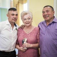 Золотая семья... :: Сергей Смоляков