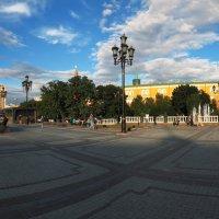 на манежной площади :: Александр Шурпаков