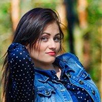 Весенний портрет девушки :: Анатолий Клепешнёв