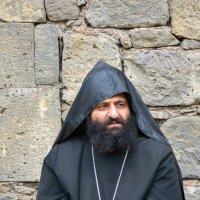 Монах в монастыре Татев / Армения :: Павел Москалёв