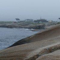 Берег Атлантики в тумане. Рыбацкая деревня Пегги Коув (Peggy Cove) :: Юрий Поляков
