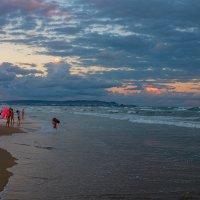 Конец пляжного дня :: Виктор