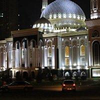 «Хазрет Султан»  - мечеть «Святейшего Султана» :: Галина Стрельченя