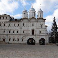 Храм 12 апостолов — Патриарший дворец. :: Вера