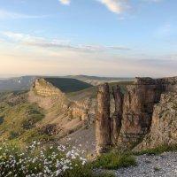 Вечерний вид на скалы Монахи и Большой Бермамыт :: Vladimir 070549