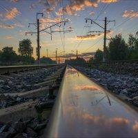 В рельсовом отражении рассвета. :: Igor Andreev