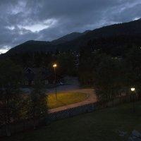 Окрестности гостиницы в горах Норвегии-2 :: Александр Рябчиков