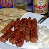 Колбаски с сараевским пивом! :: Михаил Рогожин