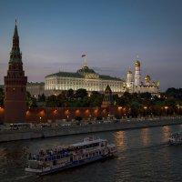 Вечер . У Кремля  ...Сегодня.... :: Viacheslav Birukov