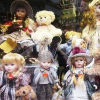 Витрина детского магазина (Вена) :: татьяна