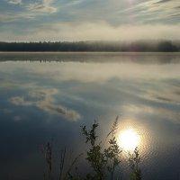 Солнце в озеро упало ..II :: Александр Буланов