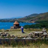 На озере Севан 4 :: Александр Мосс
