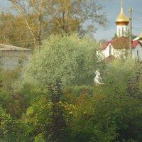 ...проезжая  посёлок ,увидела вот такой контраст :: Ольга Cоломатина