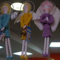 ..и ангелы имеют цену :: Лариса Журавлева