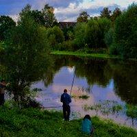 Рыбалка в городе :: Юрий