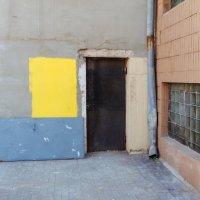 Yellow paint on the wall :: Николай Н