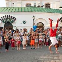 Вадик-Ракета радует народ :: Марина Симакова