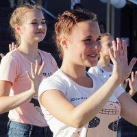 ... танцуют все ... :: Дмитрий Иншин