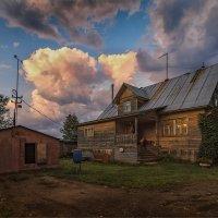 Обычный вечер в деревне... :: Александр Никитинский