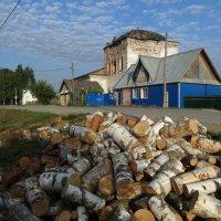 Утро с дровами :: Валерий Чепкасов