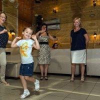 Танцуй пока танцуется... :: Оксана Сафонова