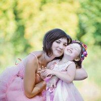 Мама с дочуркой :: марина алексеева