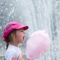 Почему дети так любят сладкую вату?! :: Ольга Кучаева