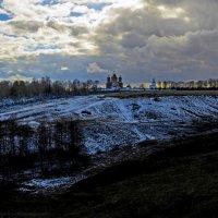 Свенский монастырь.Последний снег в апреле :: Дубовцев Евгений