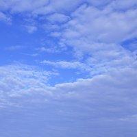 Небо и дом :: Наталия Лыкова