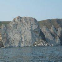 Берег Оьхона со стороны Байкала :: Галина