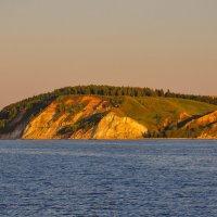 Берег Волги в закатном свете :: Сергей Тагиров