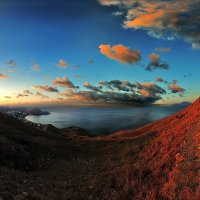 Восход расплавил небо и холмы :: viton