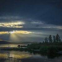 Сентябрьский день у озера... :: Pavel Kravchenko