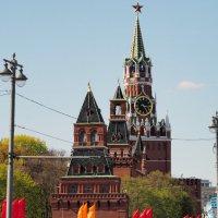 у каждого свои часы,эти для всех нас :: Олег Лукьянов