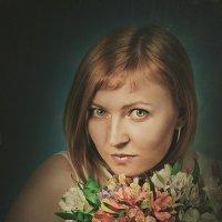 Девушка с цветами :: Roman Sergeev