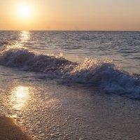 Рассвет и море :: Тамара