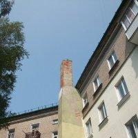 Неужто печь в 4-этажном доме? :: Галина Бобкина