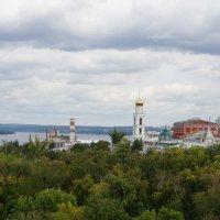 Волга, Самара, вид на Иверский  монастырь, Жигулёвский пивзавод и т. д. :: IURII