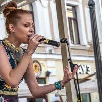 Играю или пою- я на грани, я на краю :: Ирина Данилова