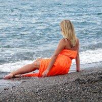 Девушка и море... :: Виолетта
